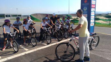 Photo of Pedallar Ayçiçeği Bisiklet Vadisi'nde çevrildi