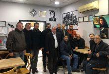 Photo of Engin Özkoç gençlere kokoreç ısmarladı